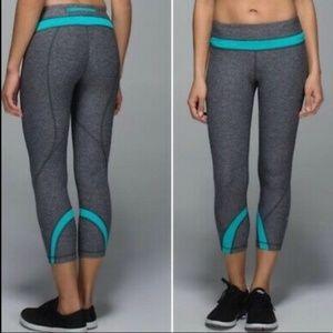Lululemon heather/ turquoise crop leggings size 6